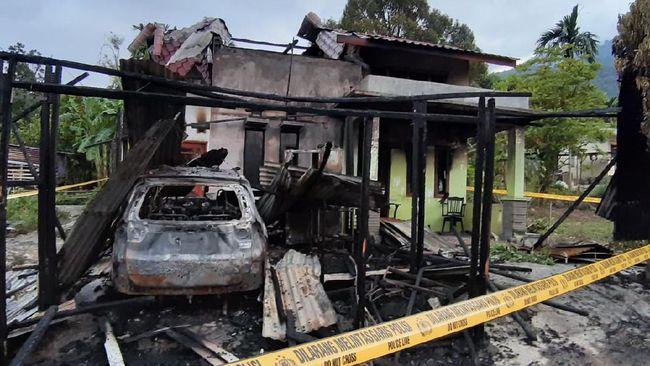 Polres Aceh Tenggara memeriksa enam saksi soal kebakaran rumah wartawan Serambi Indonesia. Pemilik rumah menduga kebakaran itu disengaja karena terkait berita.
