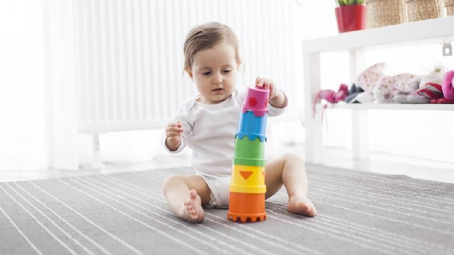 Mainan yang Baik untuk Perkembangan Bayi 0 - 12 Bulan