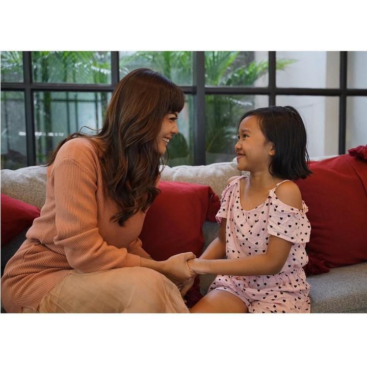 Sebagai single mother, Masayu Anastasia sangat dekat dengan putri semata wayangnya, Samara.