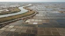 Nestapa Warga 'Desa Miliarder' Indramayu: Tanah Dibeli Murah