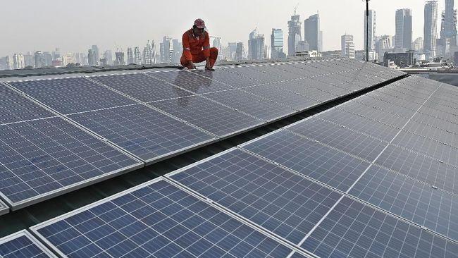 PT Pertamina membangun PLTS atap pada 63 SPBU untuk mendorong pemanfaatan EBT dalam bauran energi nasional.