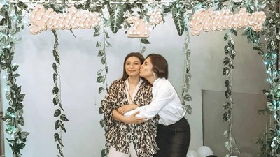 6 Momen Kompak Wulan Guritno dan Putrinya, Shalom Razade