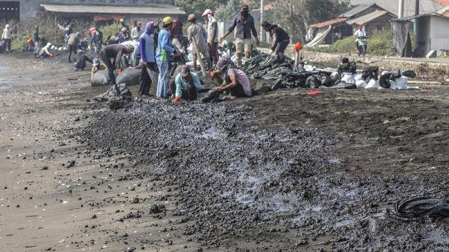 Pertamina sampai dengan saat ini menyatakan belum mengetahui penyebab kebocoran minyak yang mencemari perairan Karawang.