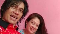 <p>Dalam akun Instagram Mira, beberapa kali Agung melakukan selfie dengan istri tercintanya. Sweet! (Foto: Instagram @mir4r4h4yu)</p>