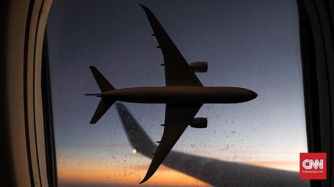 Pemerintah China menangguhkan penerbangan dari dan ke Inggris di tengah kekhawatiran masuknya mutasi baru virus corona.