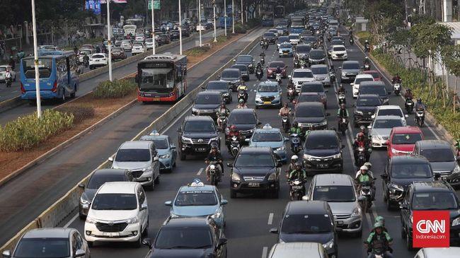 Dirlantas Polda Metro Jaya menyebut 10 jenis kendaraan yang membawa kebutuhan masyarakat tetap diizinkan beroperasi selama PSBB di Jakarta.