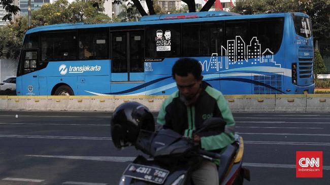 Transportasi Jakarta menambah 18 unit Bus Transjakarta demi mengimbangi kemungkinan peningkatan jumlah penumpang yang terjadi akibat perluasan ganjil genap.