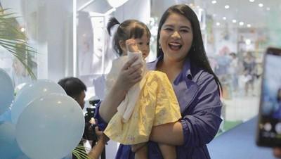 6 Potret Menggemaskan Cucu Jokowi, Sedah Mirah Nasution