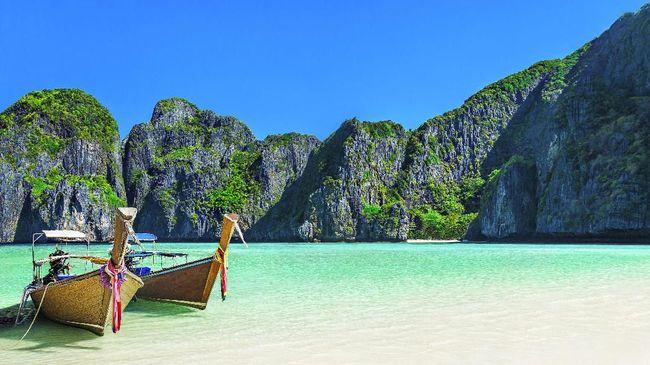 Pariwisata Thailand yang makin modern namun tak meninggalkan budaya asli menjadi daya pikat wisatawan. Berikut tempat wisata di Thailand yang wajib dikunjungi.