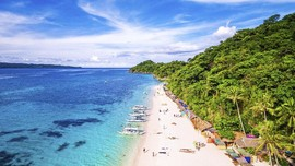 7 Pilihan Tempat Wisata di Filipina, dari Gunung ke Pantai