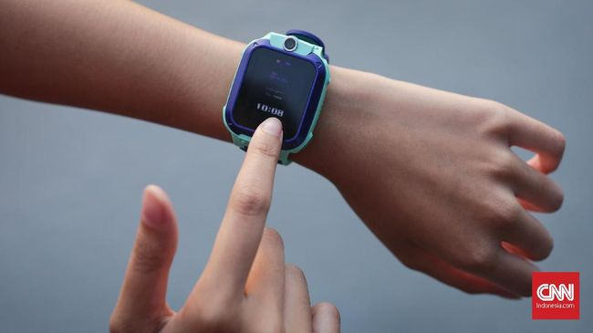 Produsen jam ponsel berteknologi canggih, Imoo Indonesia menegaskan perusahaan akan menyeret pihak yang memproduksi produk tiruan Imoo ke jalur hukum.