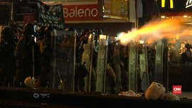 VIDEO: Api dan Gas Air Mata di Unjuk Rasa Hong Kong