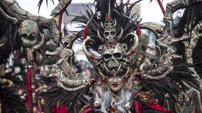 Jember fashion carnaval tahun 2019 sudah sukses digelar. Ini adalah kali pertama Jember Fashion Carnaval digelar tanpa Dynand Fariz, sang penggagas.