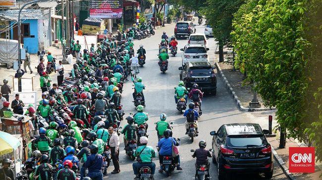 Kementerian ATR/ BPN menyebut parkir ojek online di Jakarta kacau dan perlu dibenahi dengan revisi rencana tata ruang.