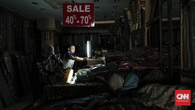 Situs PLN melaporkan sebanyak 238 wilayah di Jakarta Selatan dilaporkan mengalami gangguan listrik, netizen riuh.