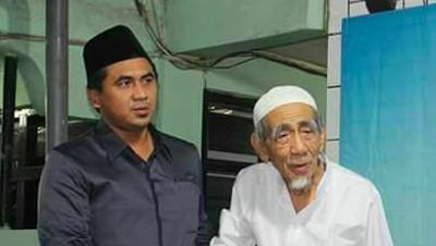 Mengenang Kebersamaan Mbah Moen dengan Putranya Taj Yasin