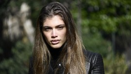 Valentina Sampaio,Model Transgender Pertama Victoria's Secret