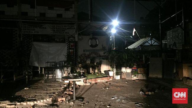 Polres Jakarta Selatan menyebut satu buah mobil pendukung PSM Makassar rusuh akibat bentrokan di Kafe bilangan Tebet, Jakarta Selatan.