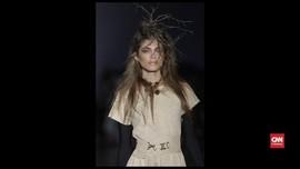 VIDEO: Model Transgender Pertama di Victoria's Secret