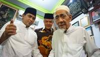 <p>Sebagai Wakil Gubernur Jawa Tengah, enggak heran Gus Yasin beberapa kali mengajak Mbah Moen bertemuGubernur Jawa Tengah Ganjar Pranowo.</p>
