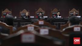 UU MK Baru: Hapus Masa Jabatan Hingga Usia Maksimal 70 Tahun
