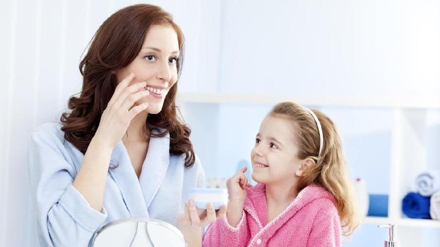 Skin Care Berkandungan AHA Bantu Kulit Lebih Cerah