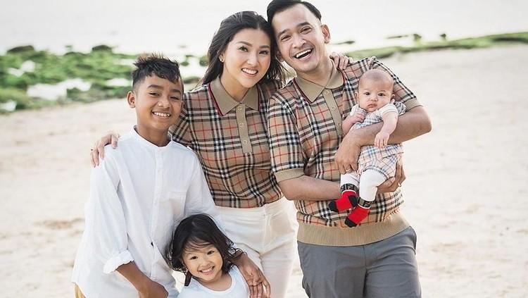 Ruben Onsu punya anak angkat, Bun. Rencananya Ruben juga akan membantu sang anak mengembangkan bakatnya di Jakarta.