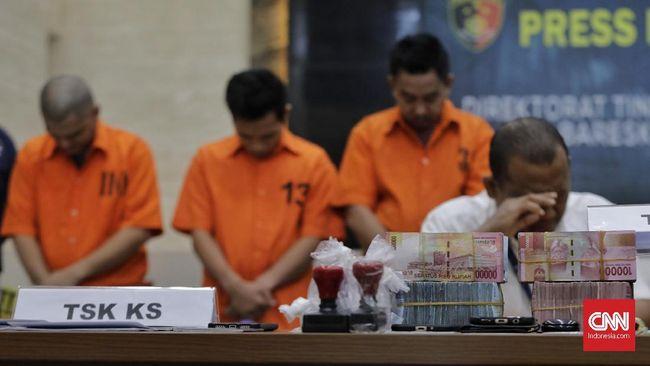 Polisi Tangkap 4 Tersangka Penipuan Pinjaman Daring Di Sulsel