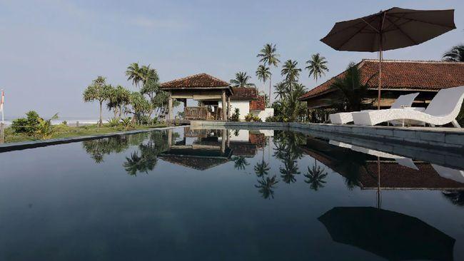Lampung menawarkan banyak wisata menarik, mulai dari surfing sampai memancing.