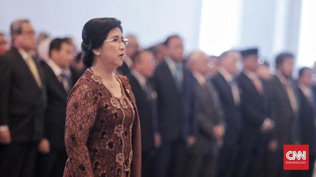 Deputi Gubernur Senior Bank Indonesia, Destry Damayanti usai dilantik oleh Ketua Mahkamah Agung, Muhammad Hatta Ali di Gedung Mahkamah Agung, Jakarta, Rabu, 7 Agustus 2019. CNN Indonesia/Bisma Septalisma