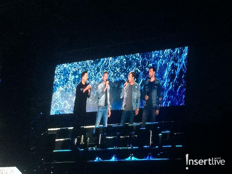 Di sela-sela konser mereka juga bercerita mengenai perjalanan karier bersama Westlife.