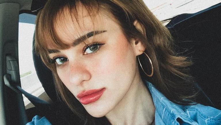 Nora Alexandra kembali diperbincangkan karena isu pindah agama. Berikut beberapa fakta mengenai kekasih Jerinx SID ini: