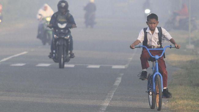 Dinas Pendidikan Kota Pekanbaru, Riau, kembali memperpanjang libur sekolah pada Senin (16/9) dan Selasa, mengingat kualitas udara masih buruk akibat karhutla.