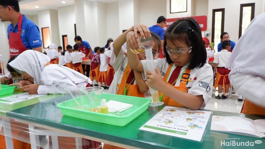 Manfaat Ajak Anak Bereksperimen dengan Bahan Kimia