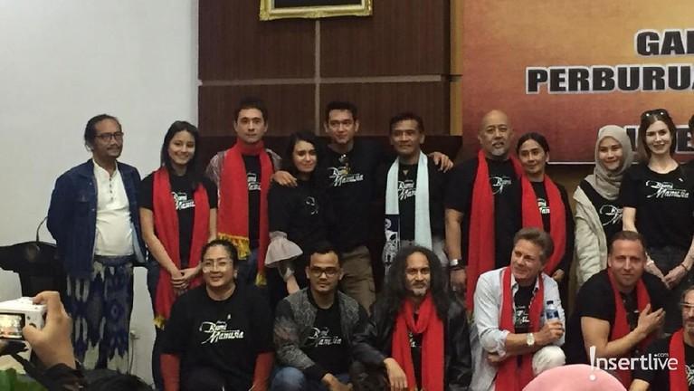 Acara ini dilangsungkan di Surabaya yang dihadiri seluruh pemain film Bumi Manusia.