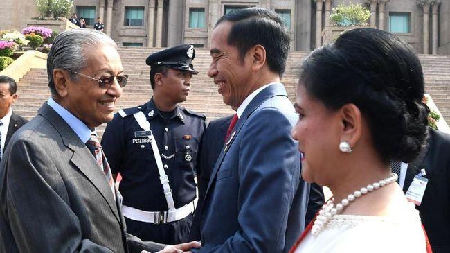 Presiden Joko Widodo disebut tolak bantuan Malaysia untuk padamkan karhutla sampai mantan Presiden Prancis, Jacques Chirac, wafat.