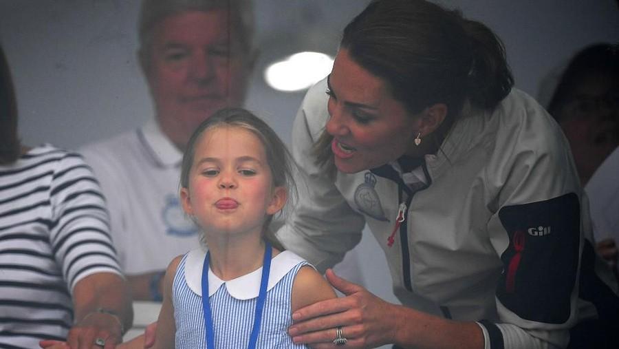 Tingkah Lucu Putri Charlotte yang Bikin Kaget Kate Middleton