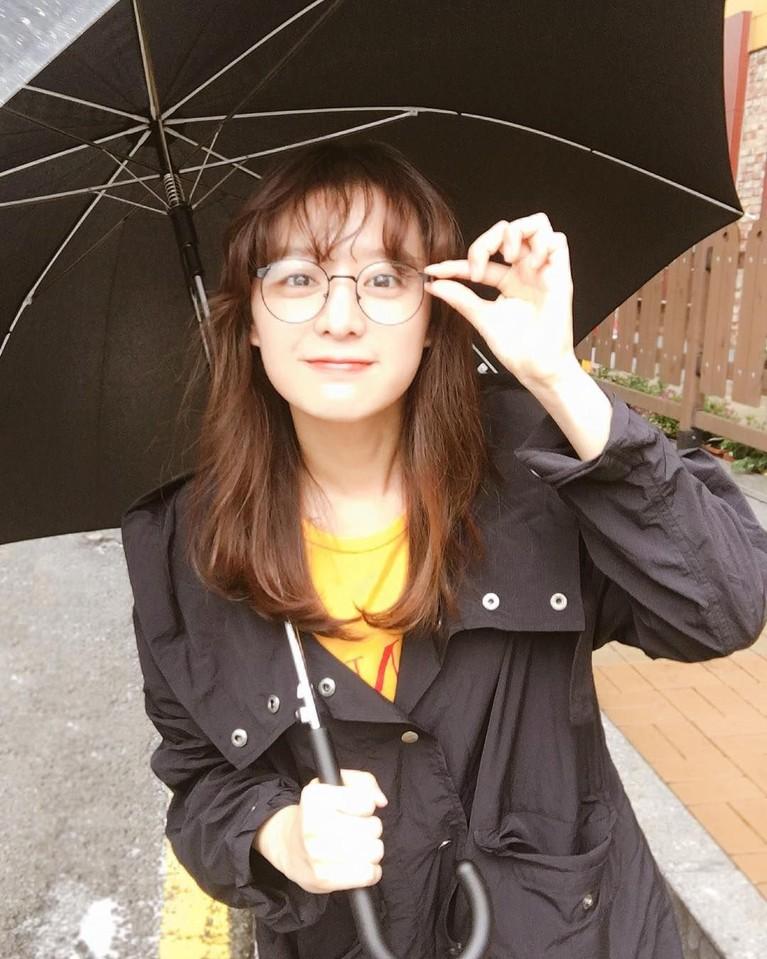 Dara berusia 26 tahun ini mulai populer saat membintangi dramaThe Heirs bersama Lee Min Ho dan Park Shin Hye.