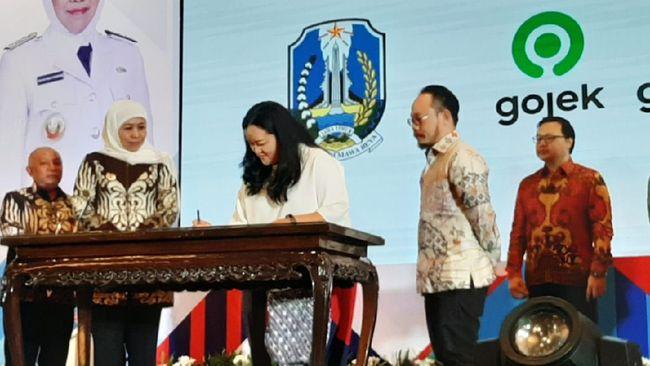 Gojek menggandeng Pemprov Jawa Timur untuk memperkuat potensi ekonomi digital di wilayah tersebut dengan layanan Gopay.