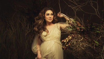 6 Maternity Photoshoot Cantik dan Glowing Celine Evangelista
