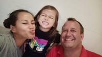 <p>Pasangan ini dikaruniai seorang putri bernama Lexa Waode Lange. (Foto: Instagram @liawaode)</p>