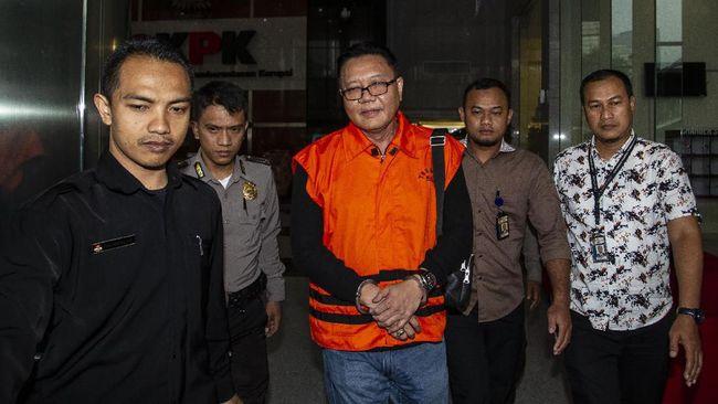 I Nyoman Dhamantra, tersangka suap impor bawang putih, telah diperpanjang masa penahanannya oleh KPK hingga 5 Desember 2019.
