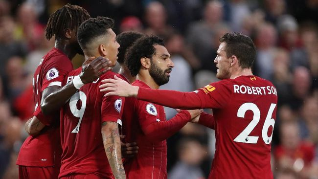 Legenda timnas Inggris, Gary Lineker menjagokan Liverpool menjadi juara Liga Inggris musim ini meski mengakui Manchester City adalah lawan berat.
