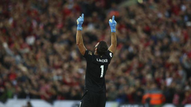 Alisson Becker kembali memberi bukti Liverpool tidak salah memboyongnya dari AS Roma dengan harga mahal tahun 2018 lalu.