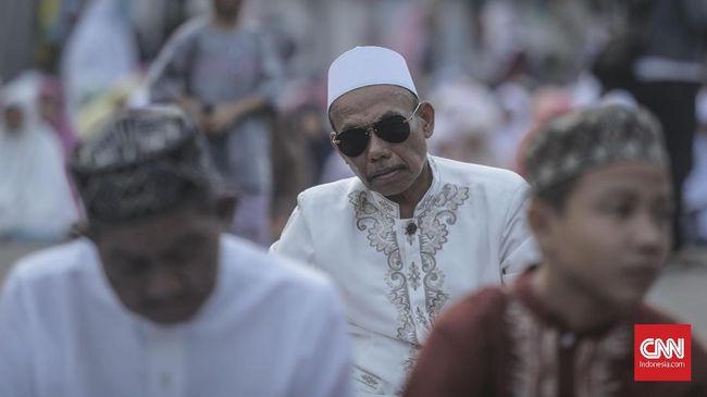 Suasana salat Iduladha 1440 Hijriah di Jatinegara, Jakarta, 12 Agustus 2019. CNN Indonesia/Bisma Septalisma
