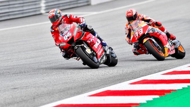 Marc Marquez mengaku nyaris terjatuh lantaran aksi balap Andrea Dovizioso di MotoGP Austria 2019, namun pebalap Repsol Honda itu memuji sang rival.