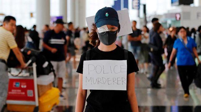 Ratusan pedemo kembali mendatangi Bandara Internasional Hong Kong untuk melanjutkan protes yang telah berlangsung selama lima hari terakhir, Selasa (13/8).