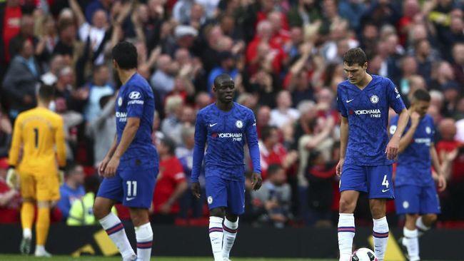 Chelsea tidak boleh terlalu lama meratapi kekalahan telak dari Manchester United karena sudah ditunggu Liverpool di Piala Super Eropa.