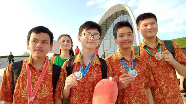 Indonesia Sabet 4 Medali di Olimpiade Informatika Dunia