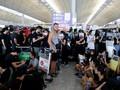 FOTO: Demonstran Lumpuhkan Bandara Hong Kong